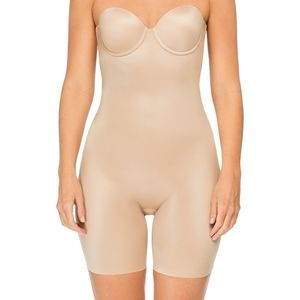 SPANX | Strapless Cupped Mid-Thigh Bodysuit